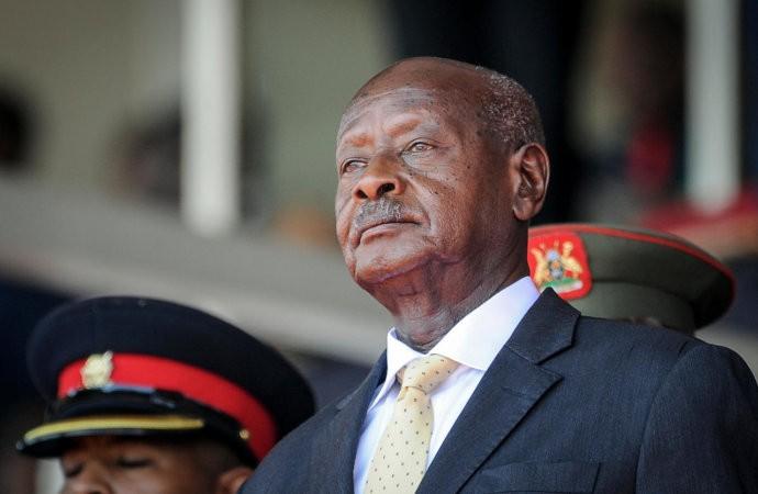 Ouganda: le président Museveni prête serment sous haute sécurité