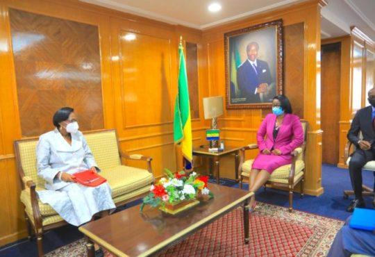 Gabon : Forte de son expérience, Rose Christiane Ossouka Raponda dispense ses conseils au nouveau maire de Libreville