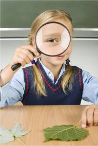Magnifying glass child - MS