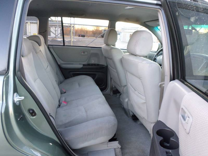toyota 4runner captains chairs office chair support for sciatica view here highlander | upcomingcarshq.com