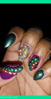 blinged nails alicia .'s