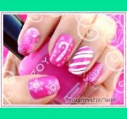 pink holiday nails -motion
