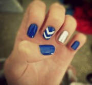 dark blue & silver chevron nails