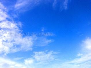 lukisan langit biru