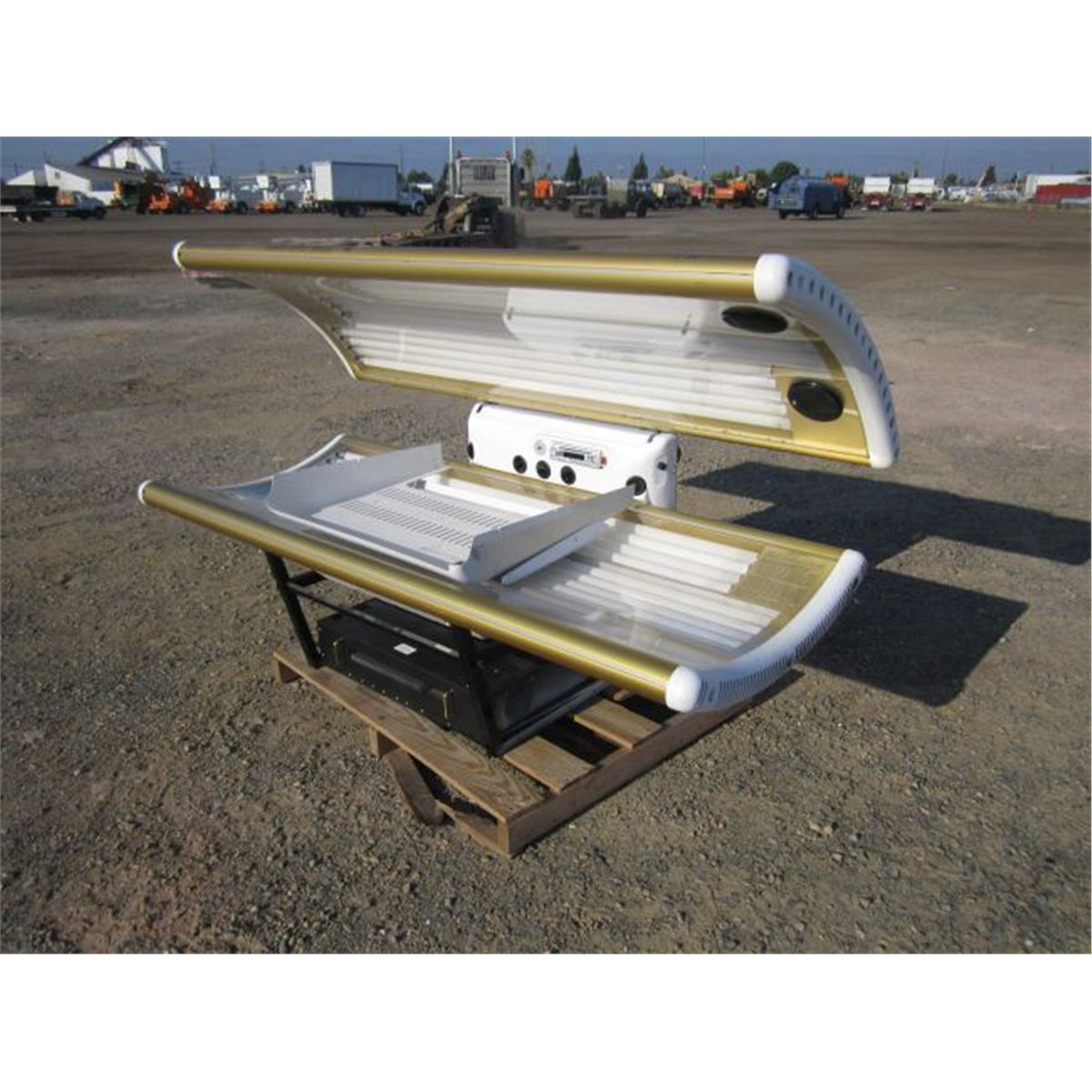 hight resolution of image 1 indoor sun systems vip 3000 tanning bed