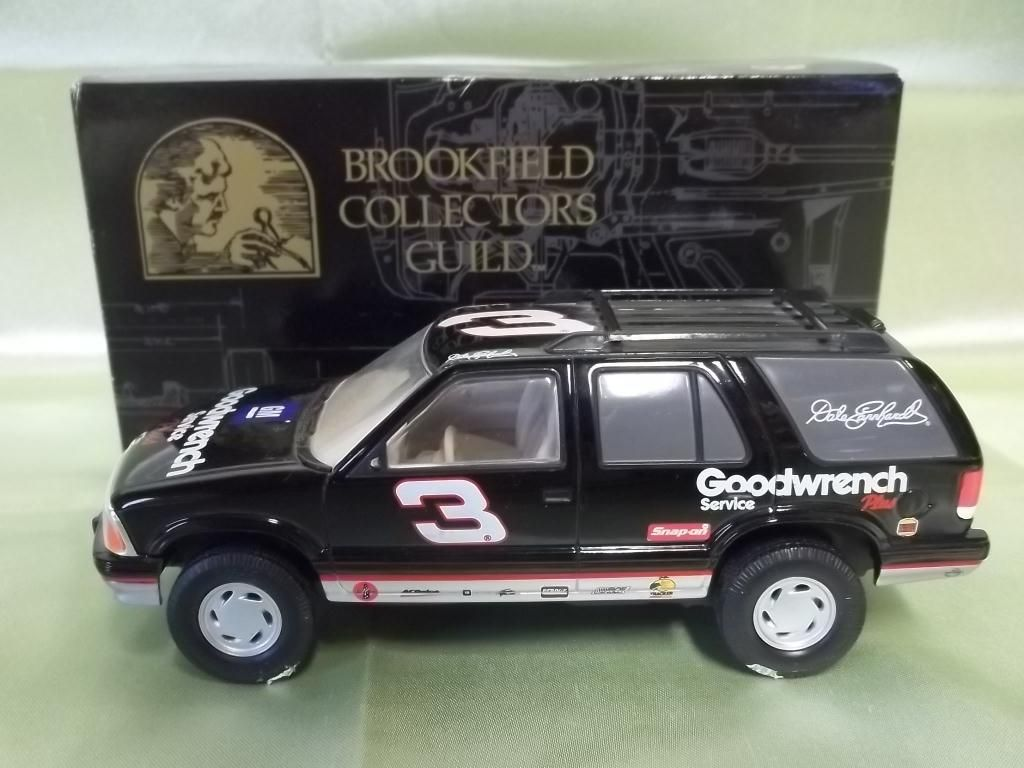 medium resolution of image 1 1999 1 24 scale dale earnhardt chevy blazer
