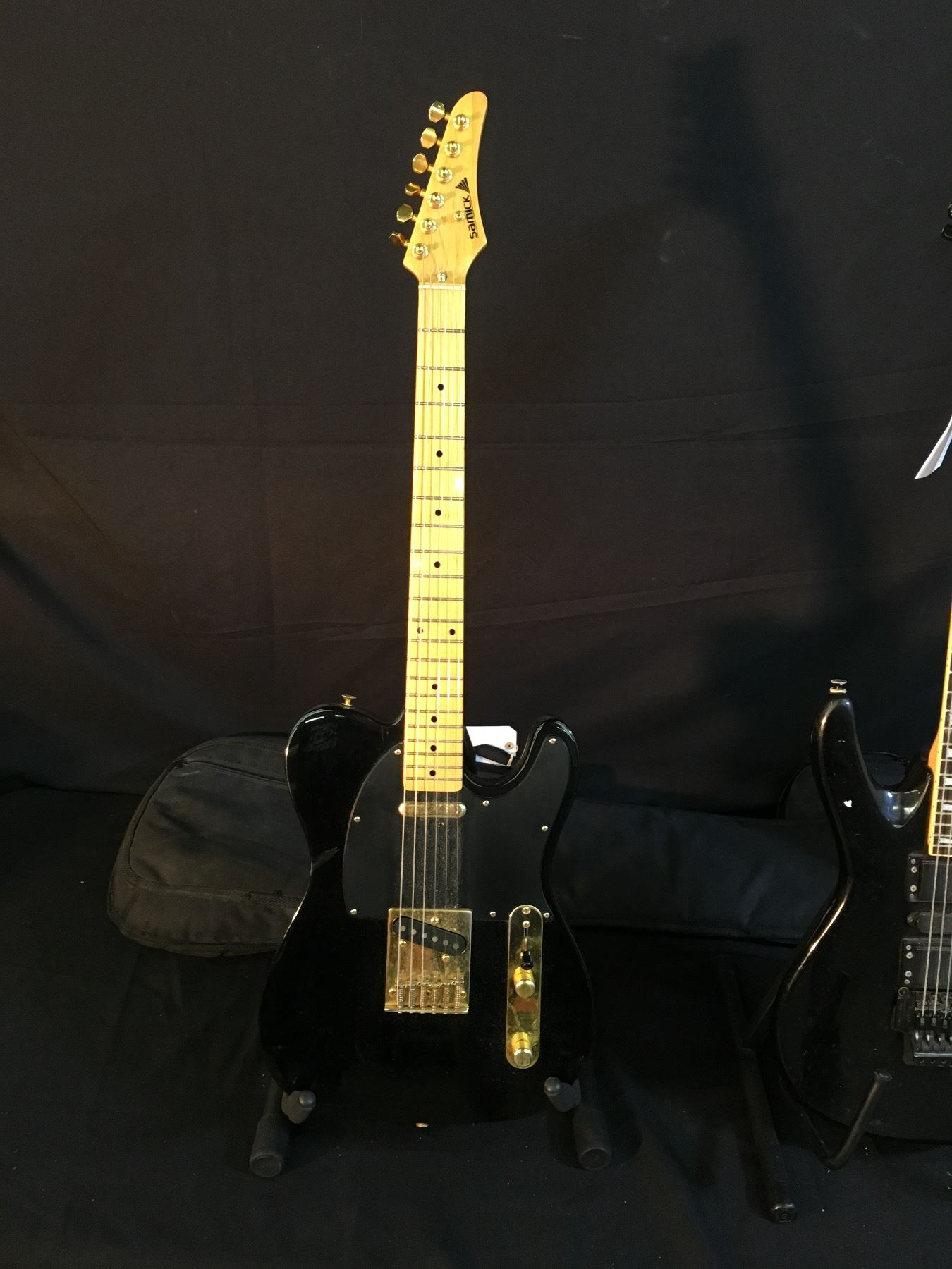 image 4 3 guitars squier 5 string jazz bass with soft shell case  [ 1350 x 1800 Pixel ]
