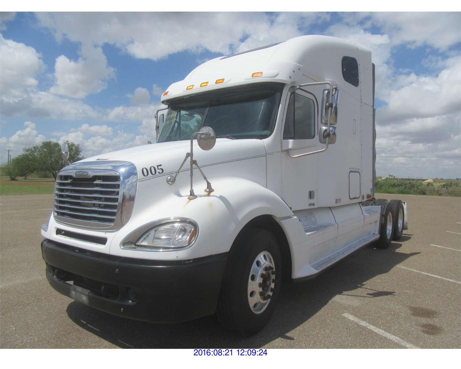 small resolution of  image 2 2005 freightliner columbia diesel