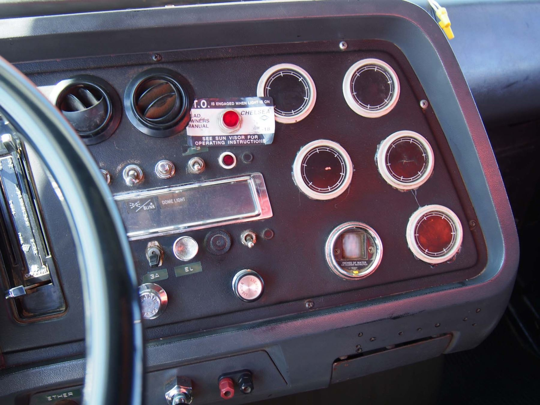 medium resolution of  image 8 1988 ford l9000 tandem truck 855 cummings engine 20 box and