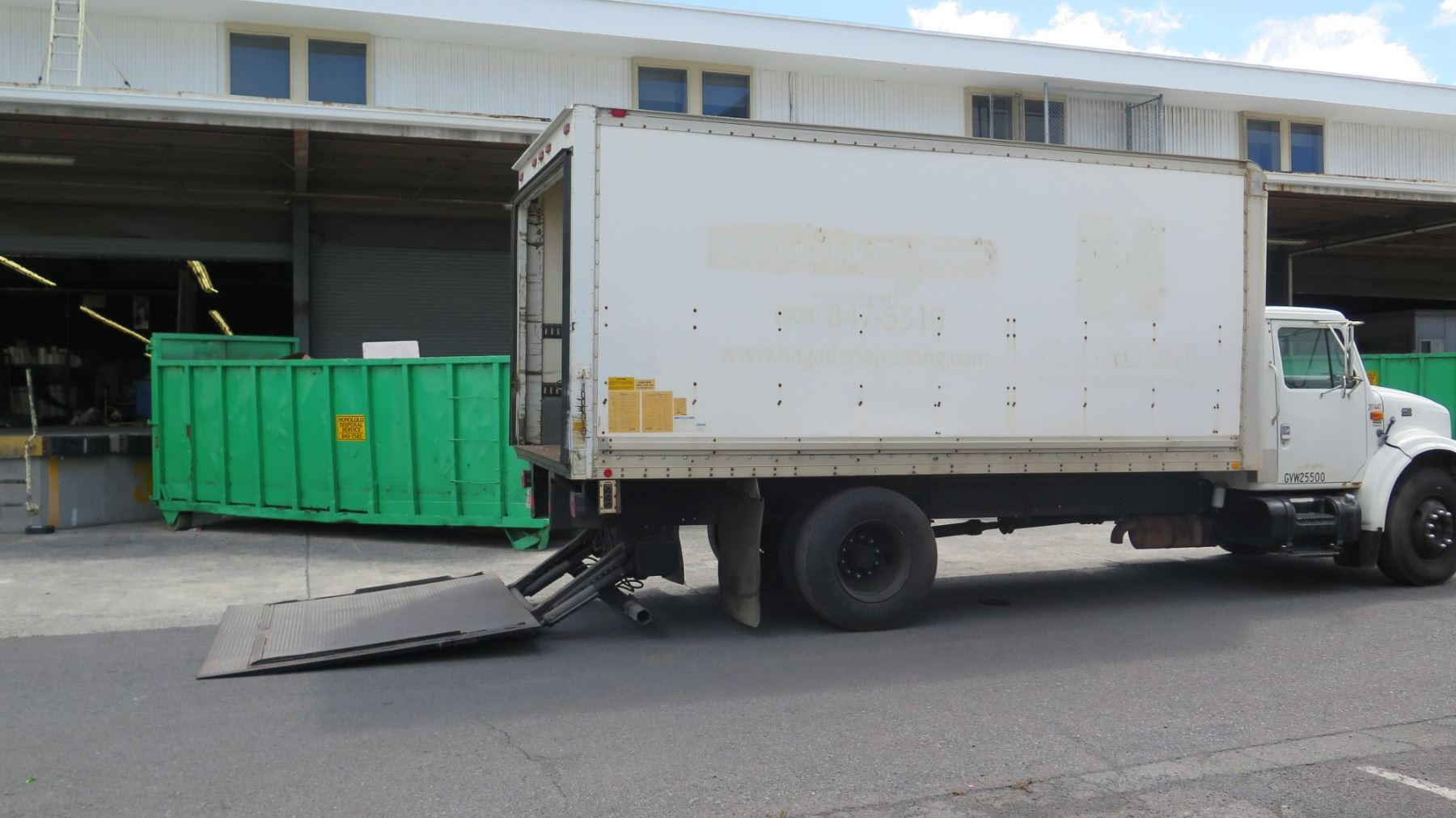 hight resolution of  image 4 1997 international box truck with lift gate