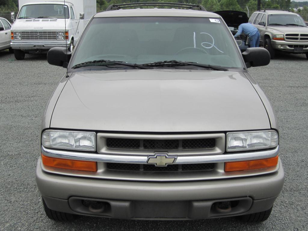 medium resolution of image 1 2002 chevrolet s10 blazer