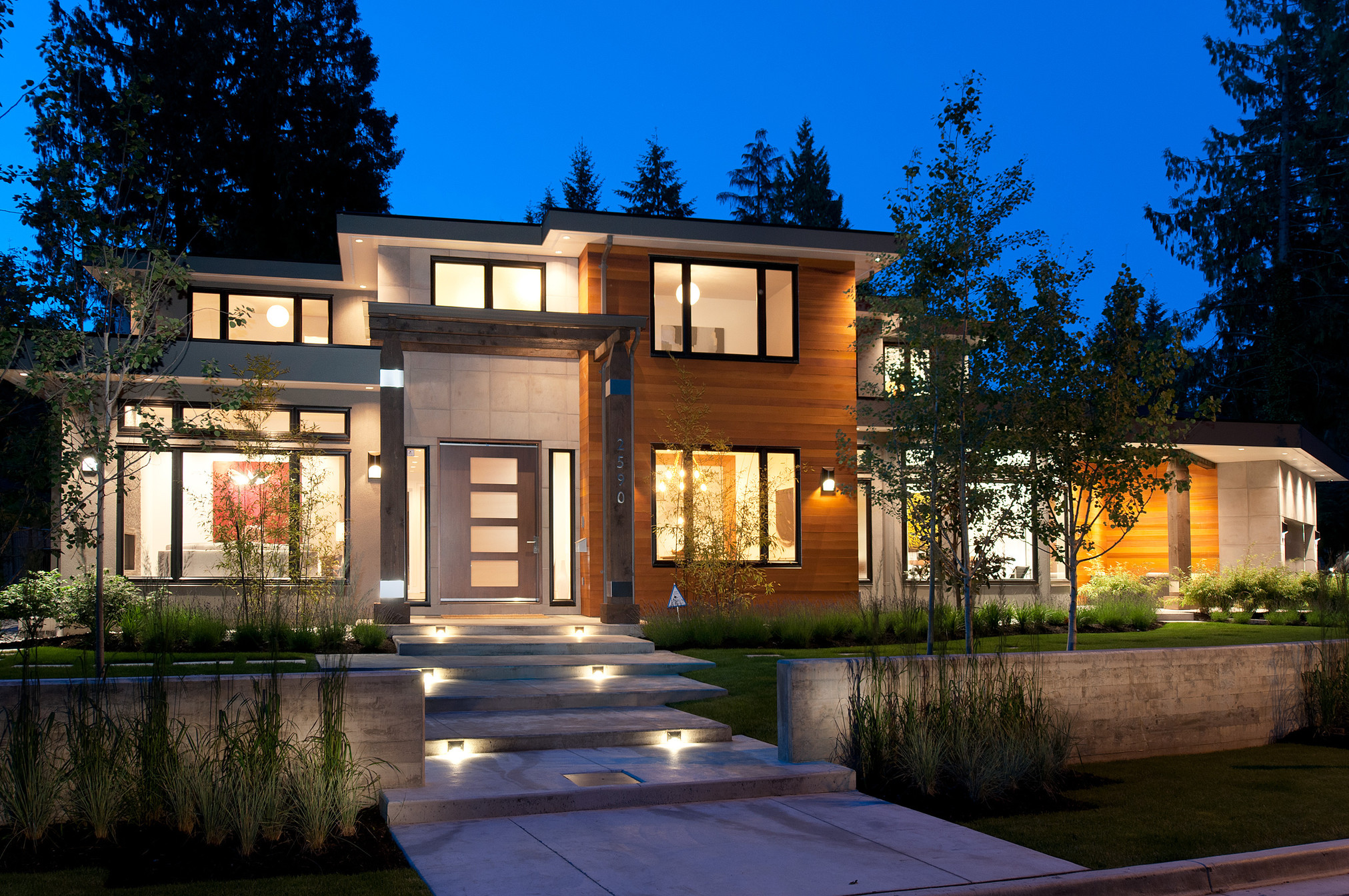 2590 Newmarket Drive Edgemont North Vancouver