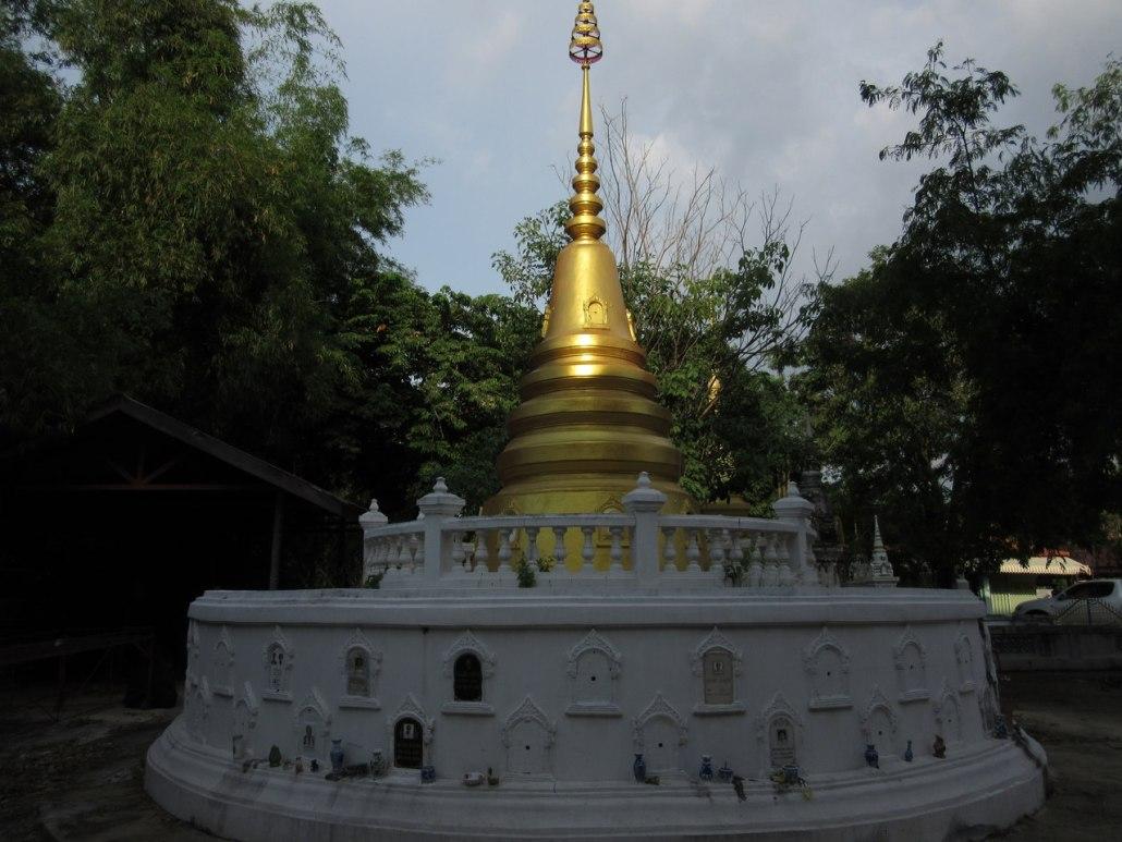 Wat Phutthaisawan, Ayutthaya, columbarium, funerary stupas