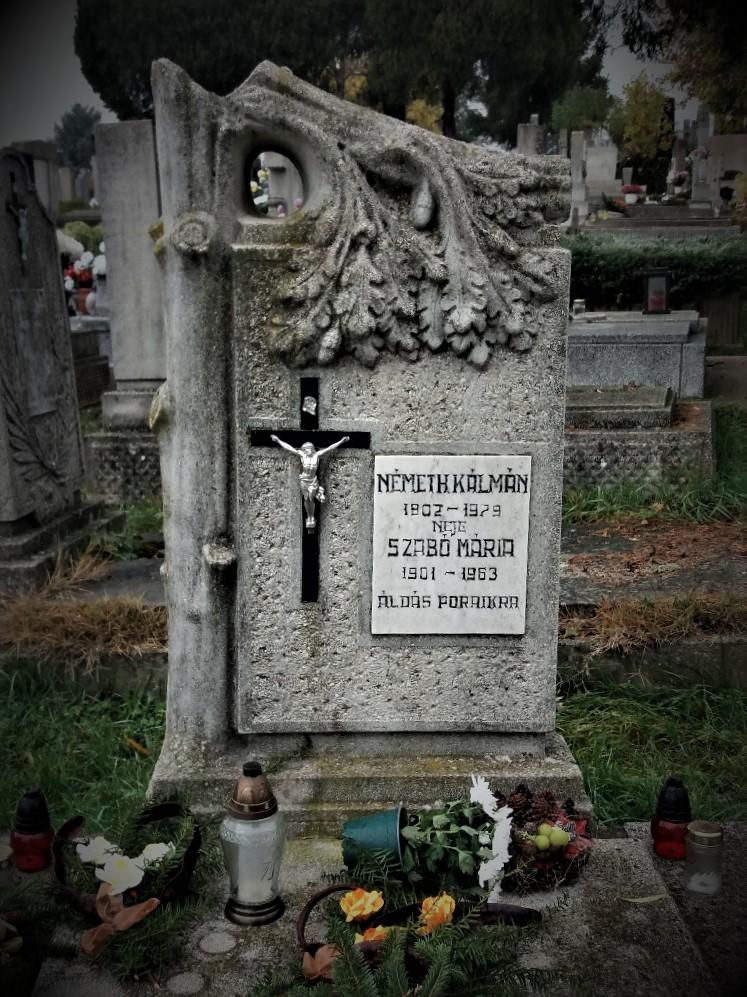 Broken tree headstone at Sümeg Cemetery Hungary