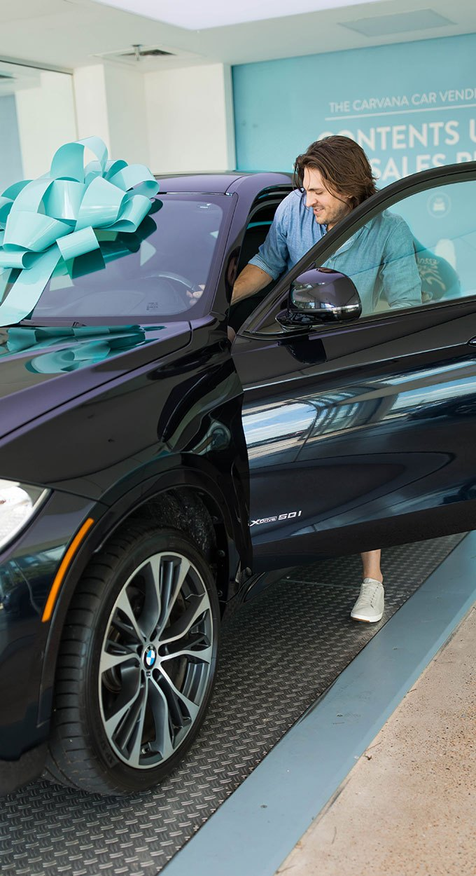 2018 BMW X6 at Carvana with Blue Bow