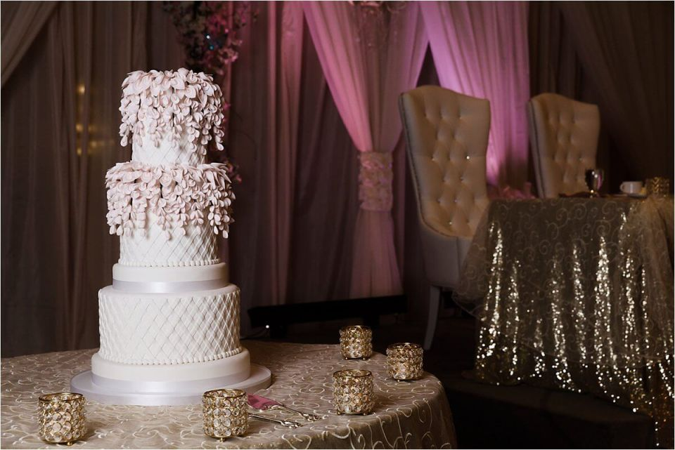 Wedding cake with white and blush and gold reception table at doubletree hilton - Woodstock London Ontario Lebanese middle eastern arab Wedding and engagement photos - Dylan Martin Photography