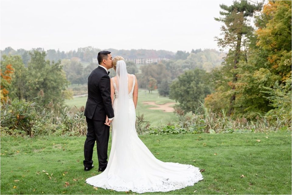 London Ontario wedding photographer photographs bide and groom at a beautiful golf course