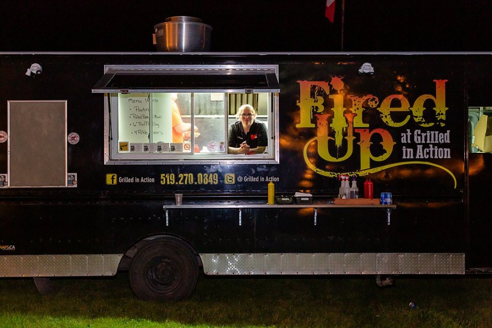 Backyard wedding tip hire a food truck like Fired Up for the late night food at a outdoor wedding