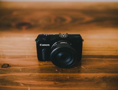 canon eos m review photo