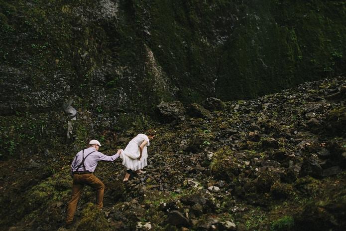 wahclella-falls-elopement-0032