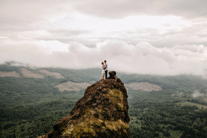portland oregon engagement photo