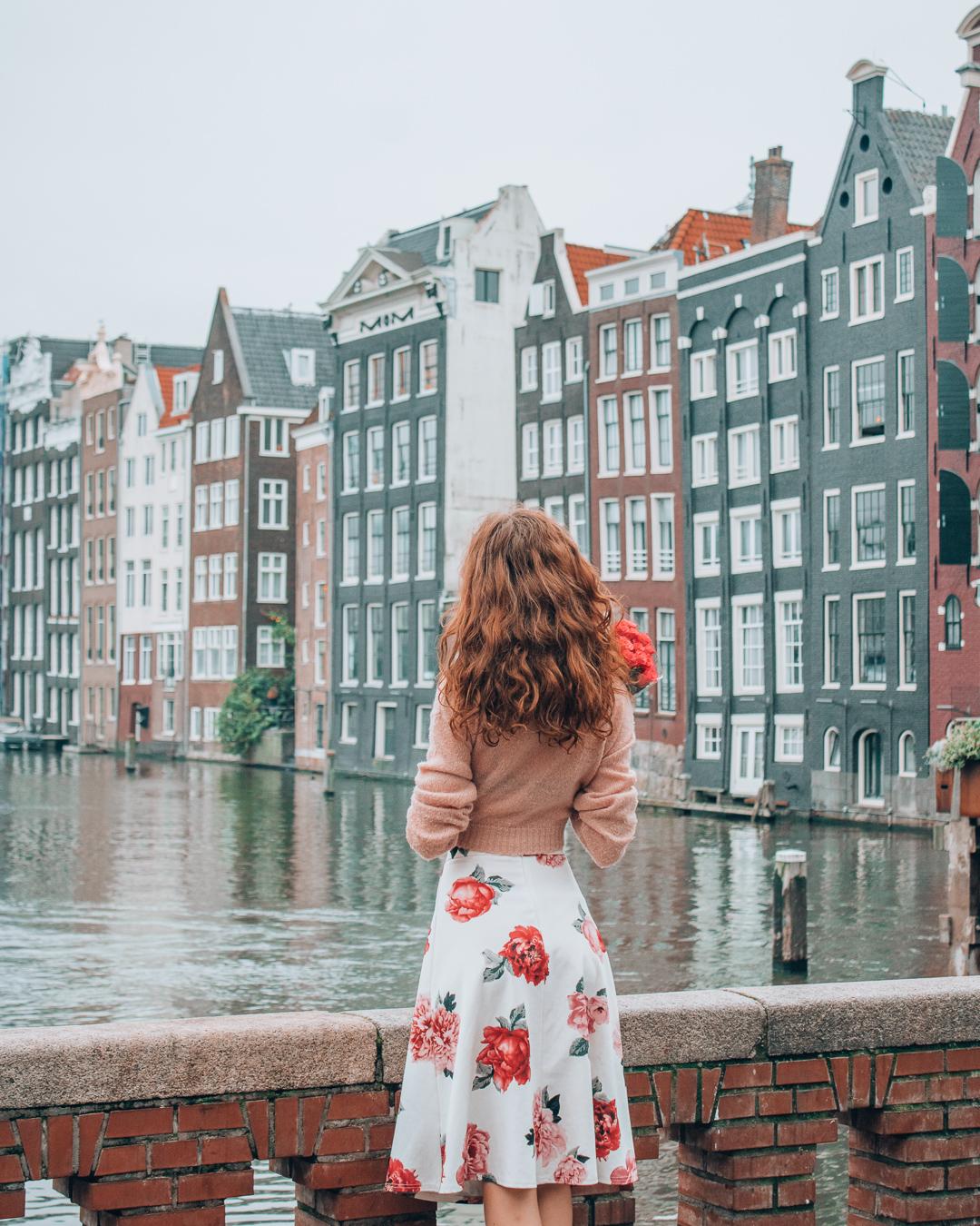 Girl next to Beurs van Berlage
