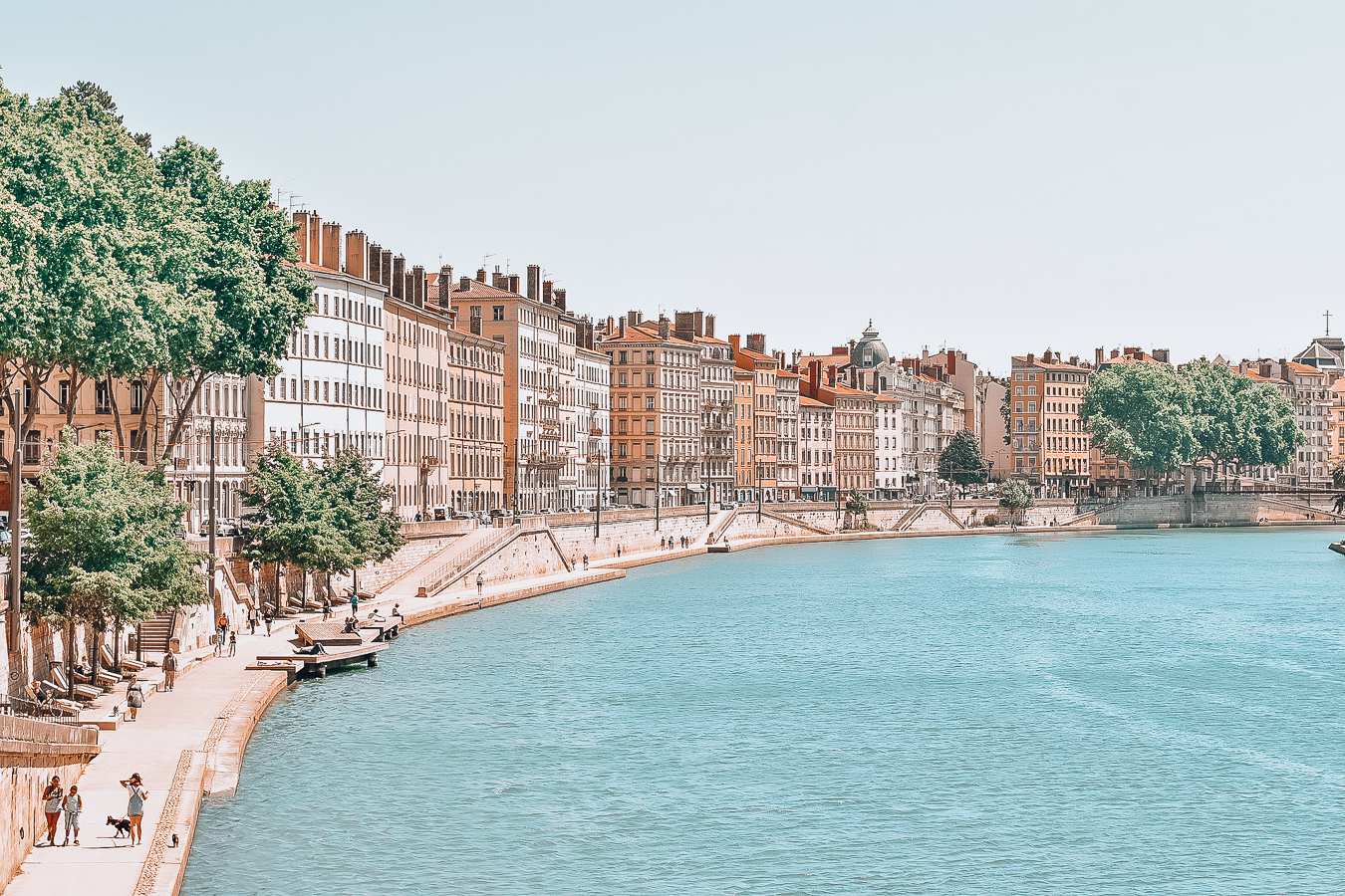 Water and houses in Lyon