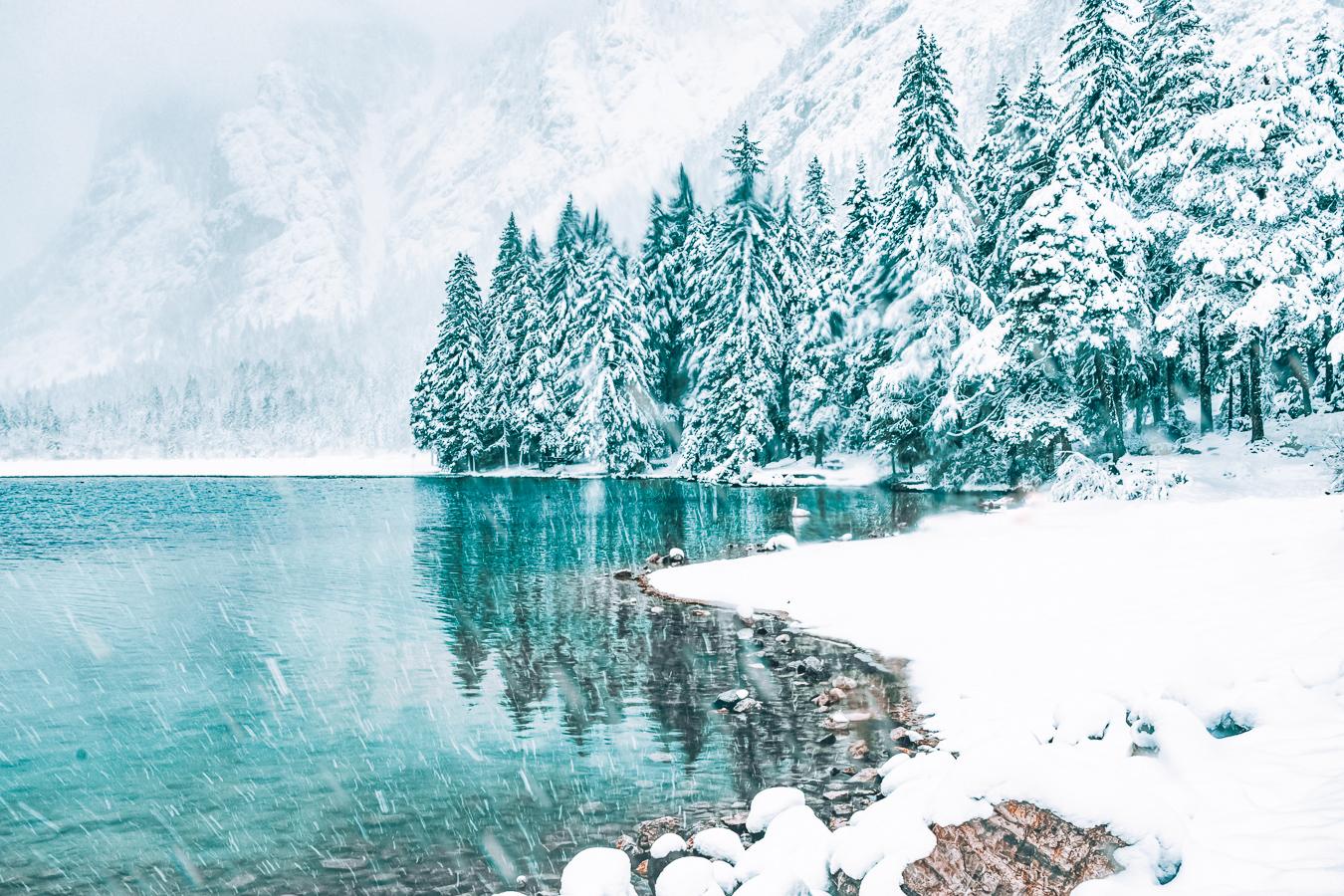 Lake Dobbiaco in winter