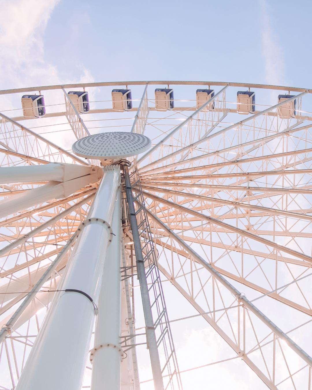 Ferris wheel in Seattle from below