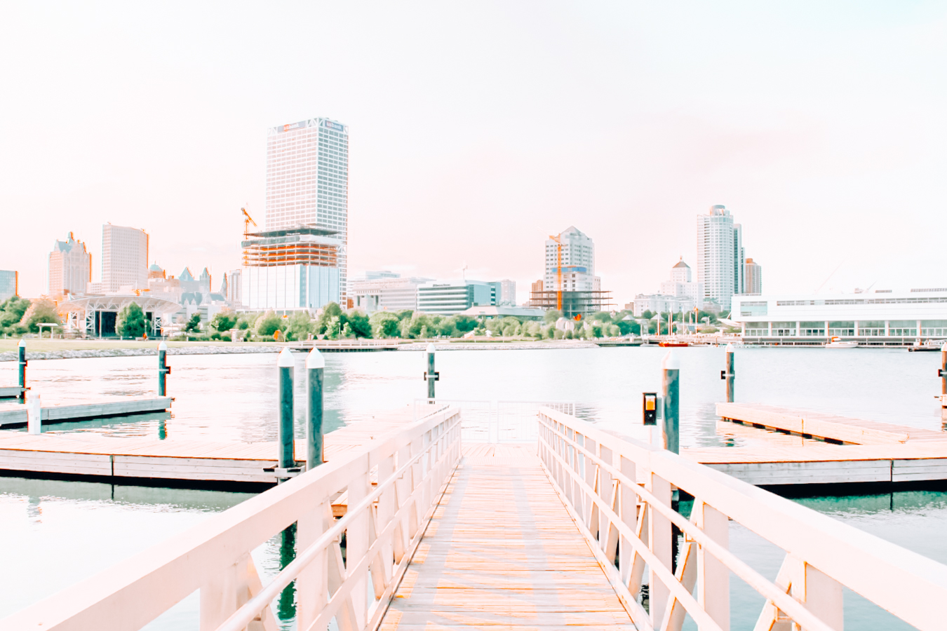 Water and buildings in Milwaukee