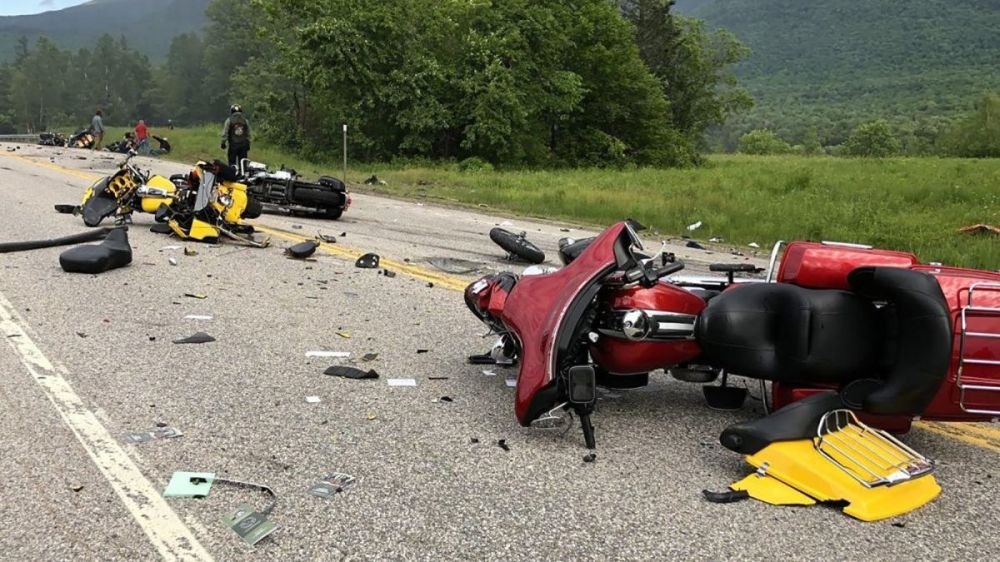 medium resolution of new hampshire crash 7 motorcyclists dead after colliding with a truck cnn