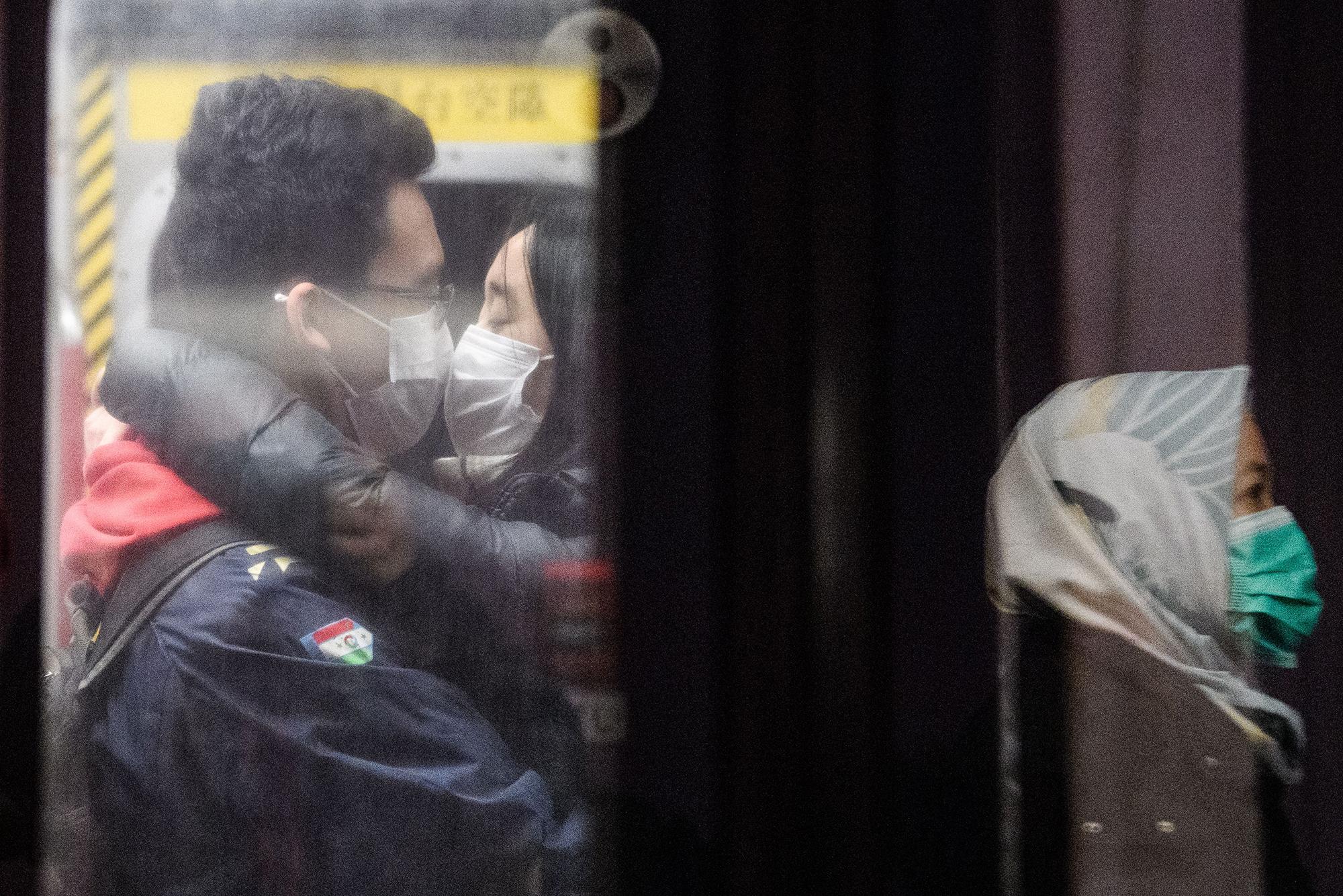 Wuhan coronavirus can be transmitted through contact, China says