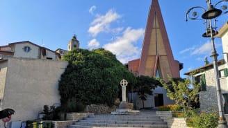 DURONIA (CB) - Piazza San Rocco-huge stone cross c-Regione Molise