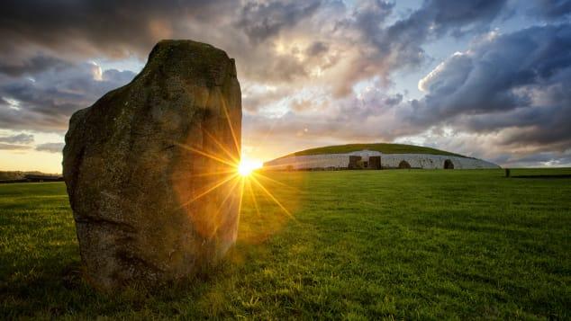 Newgrange-Brian-Morrison-Tourism-Ireland