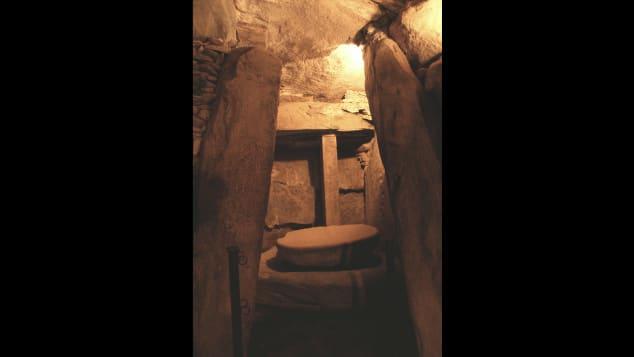Newgrange-burial-chamber