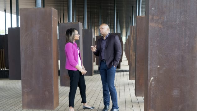 Bryan Stevenson (r) shows CNN's Nia-Malika Henderson around a new memorial to victims of lynching.