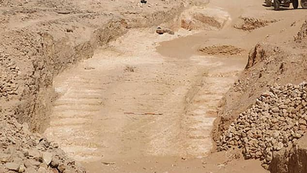 Discovery of Ancient Ramp may Solve Egyptian Pyramids Mystery