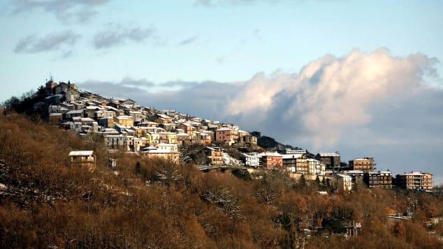 """Latronico possui um complexo termal e é conhecida como uma """"vila do bem-estar""""."""