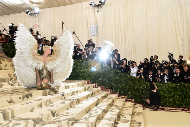 26 24 met gala red carpet katy pery