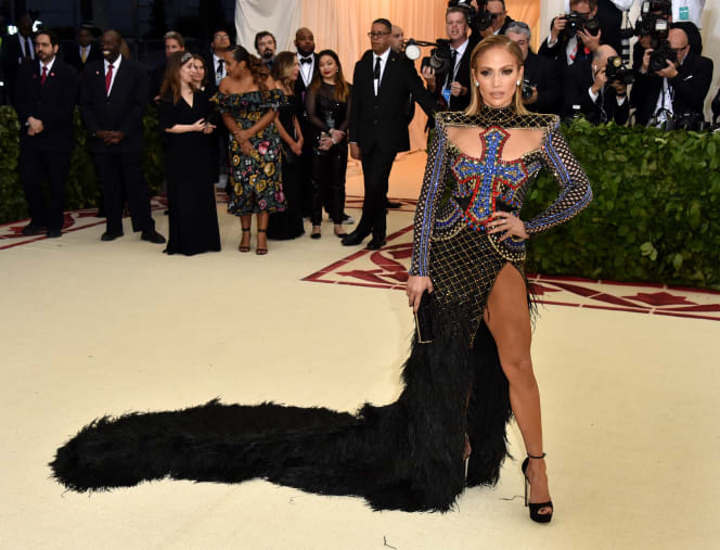 38 met gala red carpet lopez