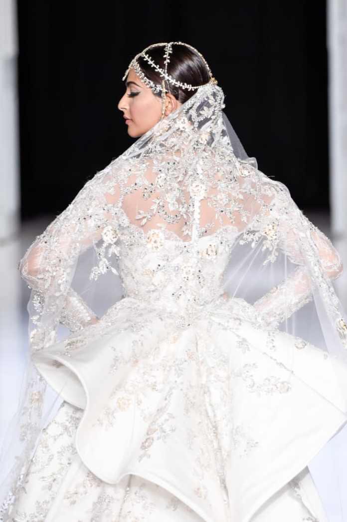 Ralph & Russo Haute Couture Autumn-Winter 2017