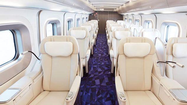 "Hokkaido Railway Company's 18-seat luxury ""Gran Class"" carriage."