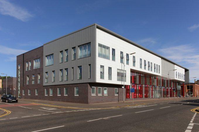 Saracen Street Health Centre Urban Glass (1)