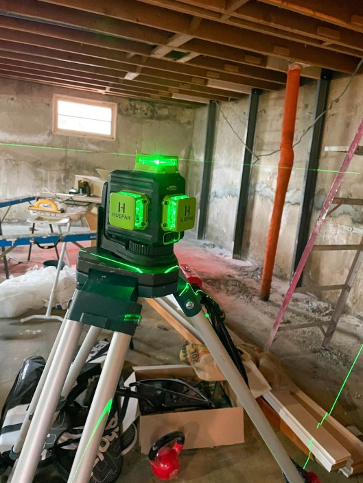 Levelling a basement with a laser level