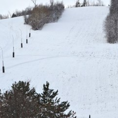 Ski Chair Lift Malfunction Child Rocking Skiers At Blue Mountain Rescued From Chairlift After A Number Of Had To Be On Feb 8 Malfunctioned File Photo