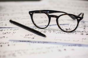 sheet_music_glasses_s