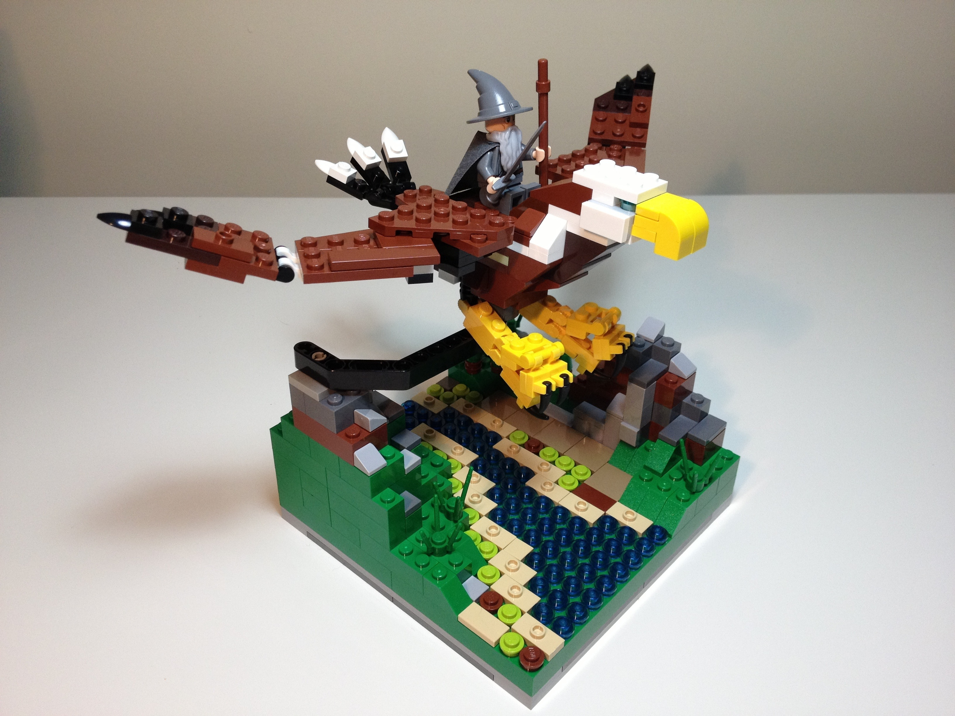 Gandalf Flies with the Eagles a Lego MOC with 31004 and