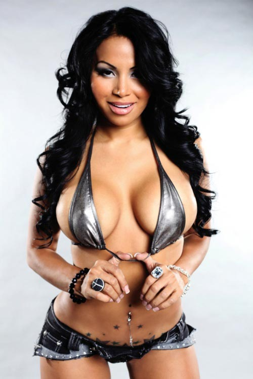 Pic of the Day - Dolly Castro @DollyCastroXOXO