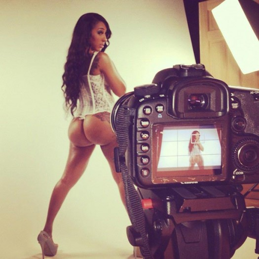 Wankaego @Wankaego - Behind the Scenes Pics of the Day