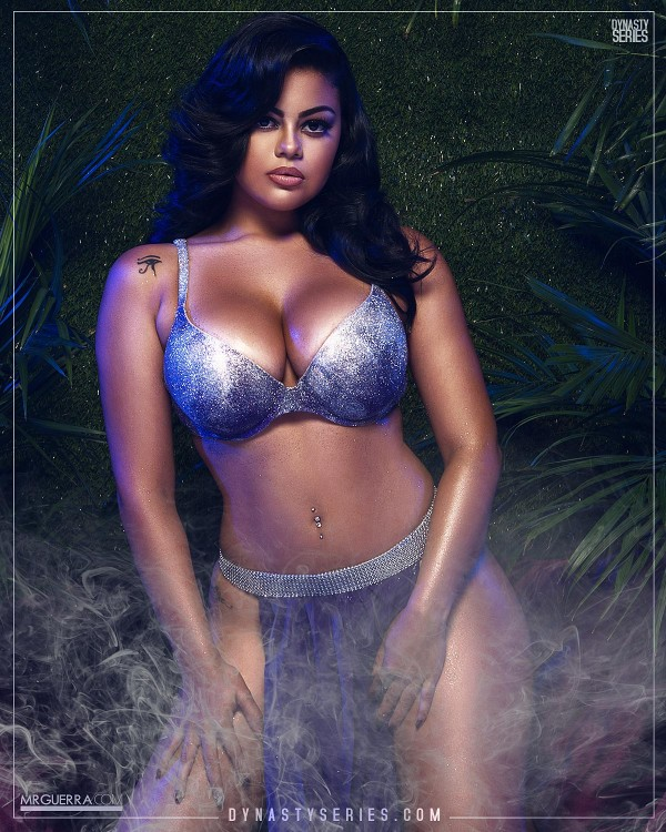 Isaly V: The Hookah Dollz - Jose Guerra